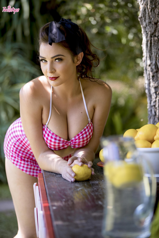 Twistys 'Lemon Licker' starring AJ Applegate (Photo 20)