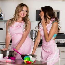 Alex De La FLor in 'Twistys' Naked Baking (Thumbnail 3)