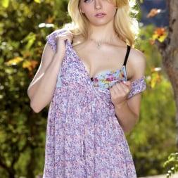 Alli Rae in 'Twistys' Princess in Pastels (Thumbnail 3)