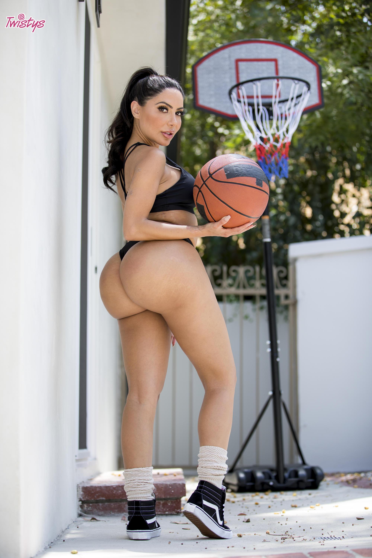 Twistys 'When Girls Play Ball' starring Carter Cruise (Photo 1)