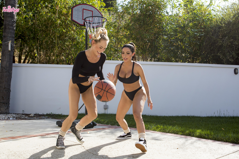 Twistys 'When Girls Play Ball' starring Carter Cruise (Photo 30)