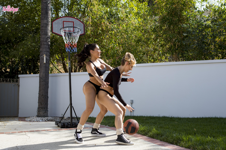 Twistys 'When Girls Play Ball' starring Carter Cruise (Photo 42)
