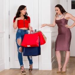 Chanel Preston in 'Twistys' Shopaholic (Thumbnail 4)