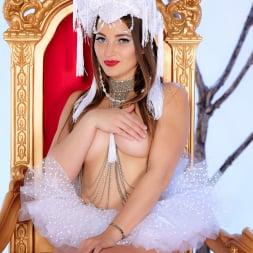 Dani Daniels in 'Twistys' Naked Queen (Thumbnail 6)