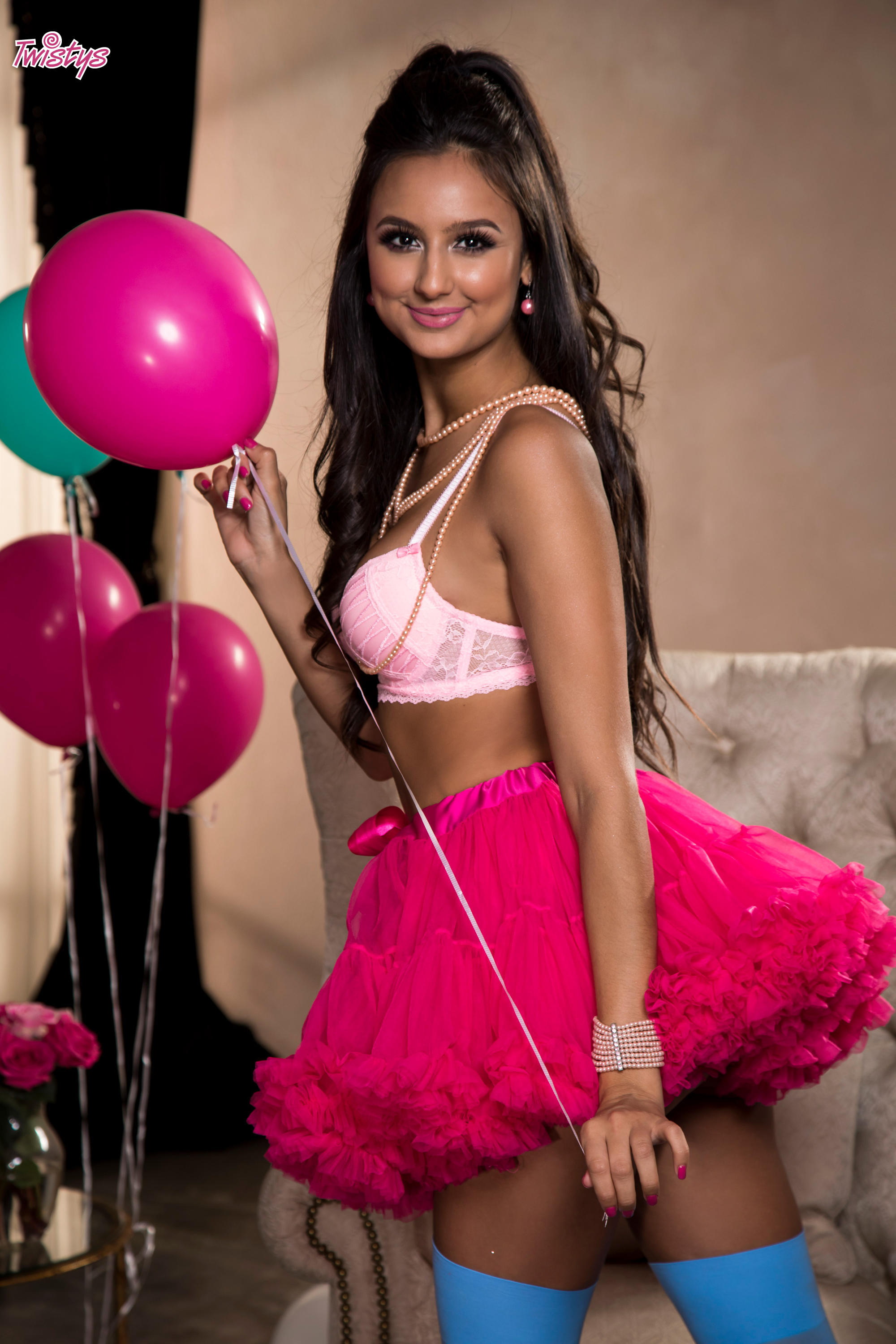 Twistys 'Balloons and Bubble Gum' starring Eliza Ibarra (Photo 8)