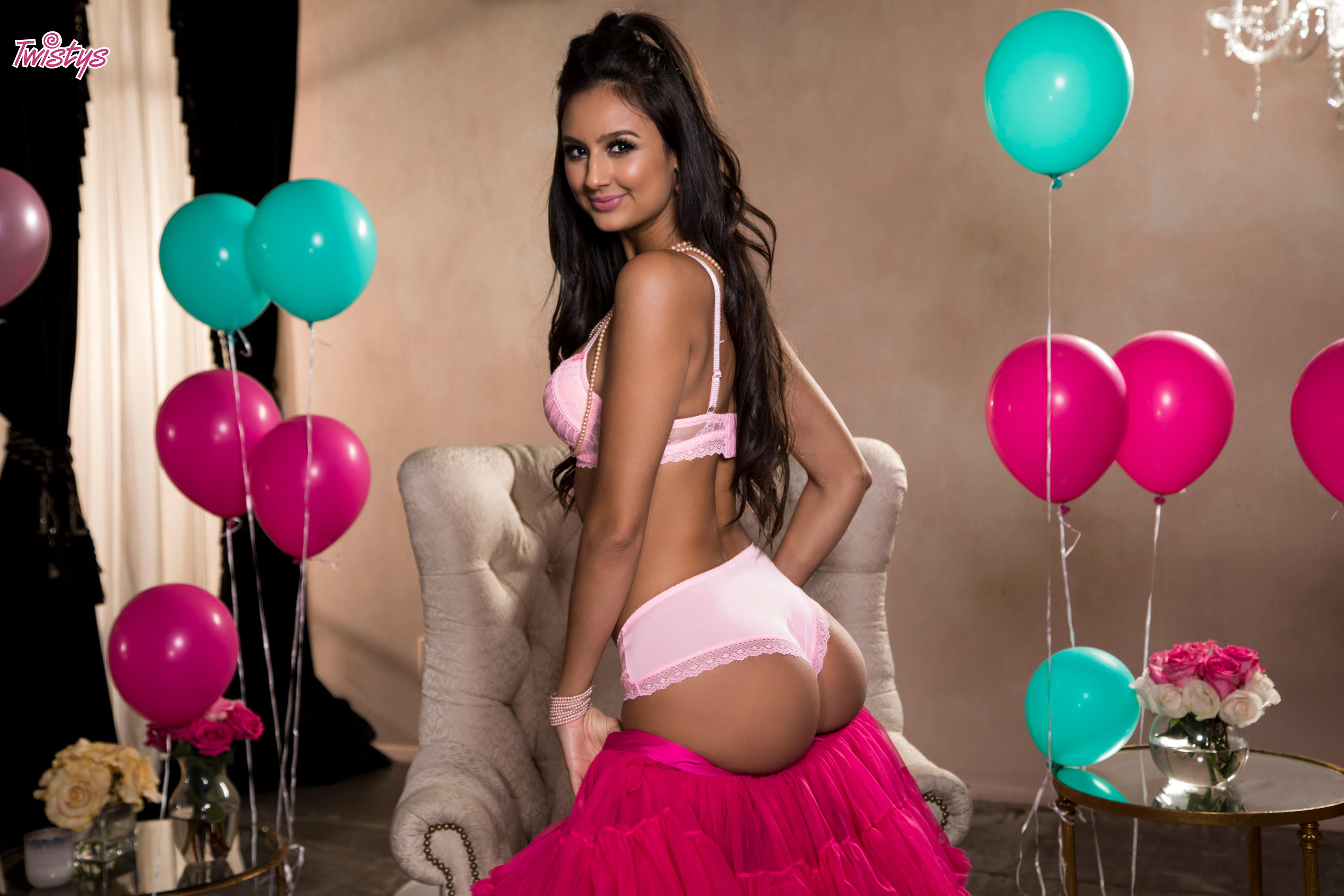 Twistys 'Balloons and Bubble Gum' starring Eliza Ibarra (Photo 16)