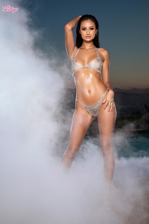Twistys 'Bright Like Her Diamonds' starring Eliza Ibarra (Photo 1)