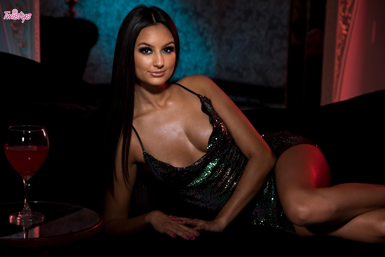 Twistys 'Glitter Nightclub' starring Eliza Ibarra (Photo 6)