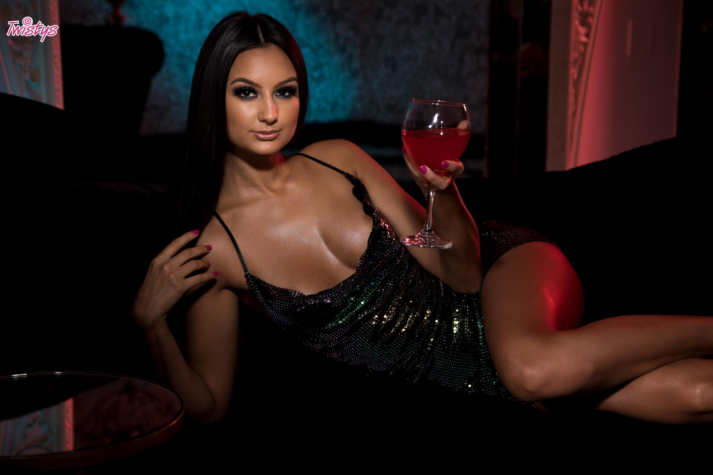 Twistys 'Glitter Nightclub' starring Eliza Ibarra (Photo 9)