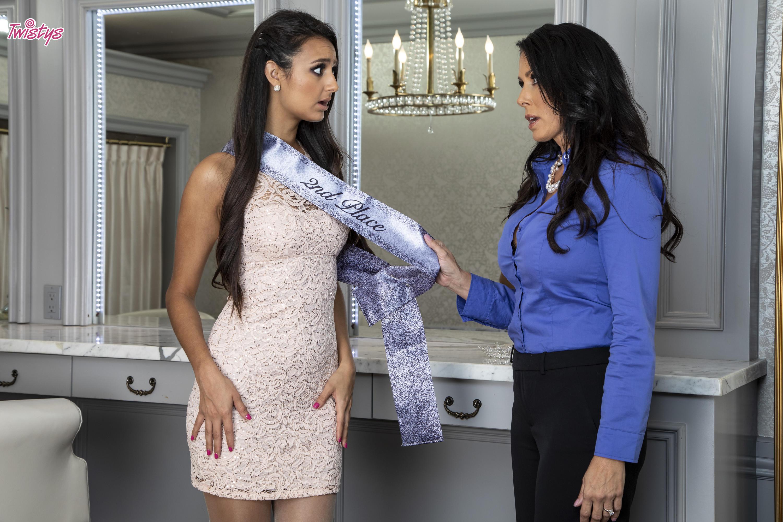Twistys 'Teen Dream Pageant Queen' starring Eliza Ibarra (Photo 24)