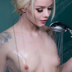 Elsa Jean in 'Twistys' Showering Off (Thumbnail 84)