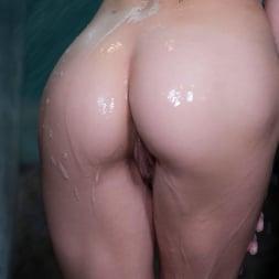 Elsa Jean in 'Twistys' Showering Off (Thumbnail 89)