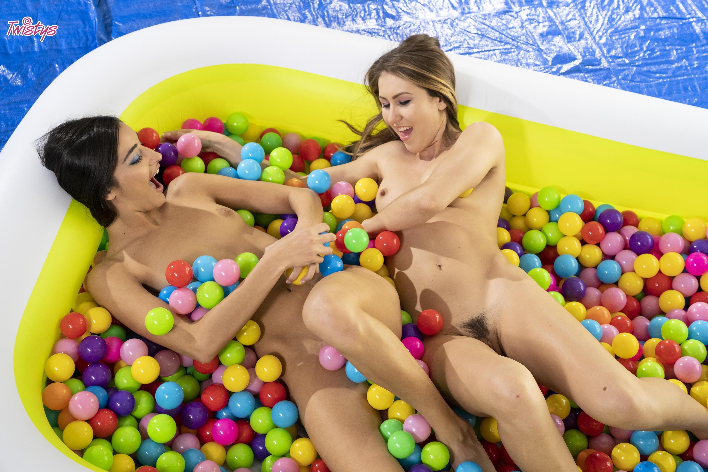 Twistys 'Ballin' Booties' starring Emily Willis (Photo 30)