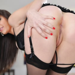 Holly Michaels in 'Twistys' Turning You On (Thumbnail 6)