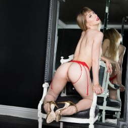 Ivy Wolfe in 'Twistys' Woman in the Mirror (Thumbnail 21)