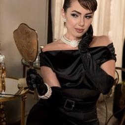 Jenna Sativa in 'Twistys' Classic Beauty (Thumbnail 6)
