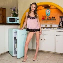 Jillian Janson in 'Twistys' It Does Her Body Good (Thumbnail 1)