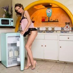 Jillian Janson in 'Twistys' It Does Her Body Good (Thumbnail 5)
