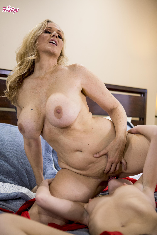 Twistys 'Unwrap Me' starring Julia Ann (Photo 119)