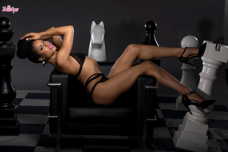 Twistys 'Geometric Masturbation' starring Kira Noir (Photo 21)