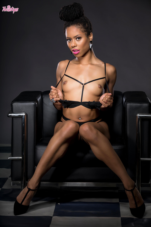 Twistys 'Geometric Masturbation' starring Kira Noir (Photo 33)