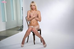 Lily Labeau - Pristine Lily (Thumb 45)