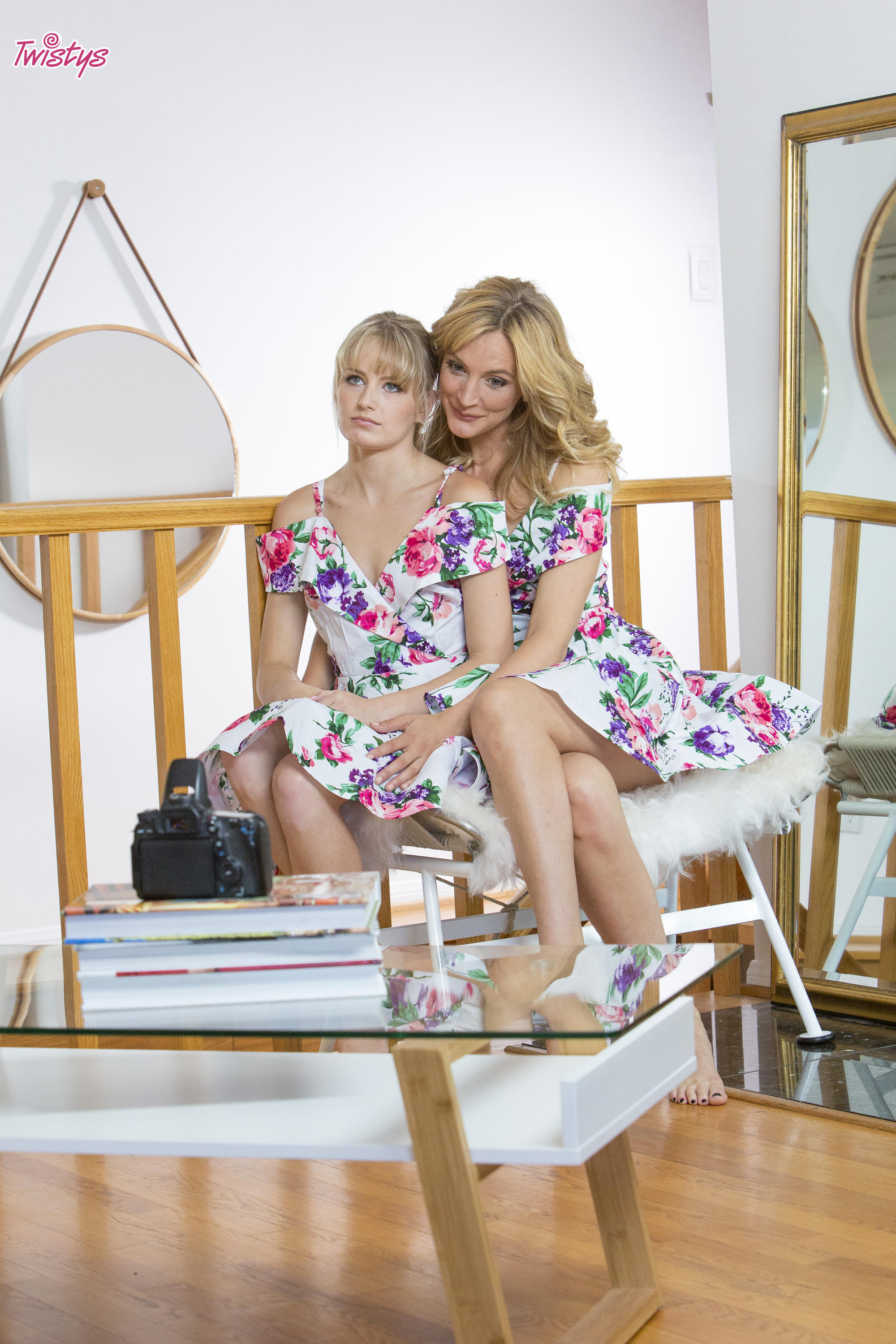 Twistys 'Like Stepmother, Like Stepdaughter' starring Mona Wales (Photo 30)