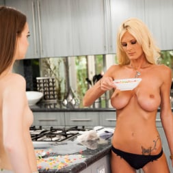 Olivia Blu in 'Twistys' Cereal Mom (Thumbnail 15)