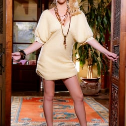 Penelope Lynn in 'Twistys' Get In! (Thumbnail 1)