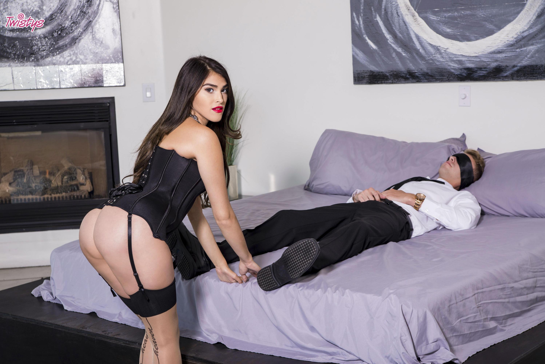 Twistys 'Bedroom Burlesque' starring Stephanie West (Photo 6)